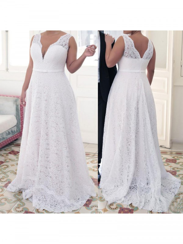 A-Line/Princess V-neck Sweep/Brush Train Plus Size Dress with Lace