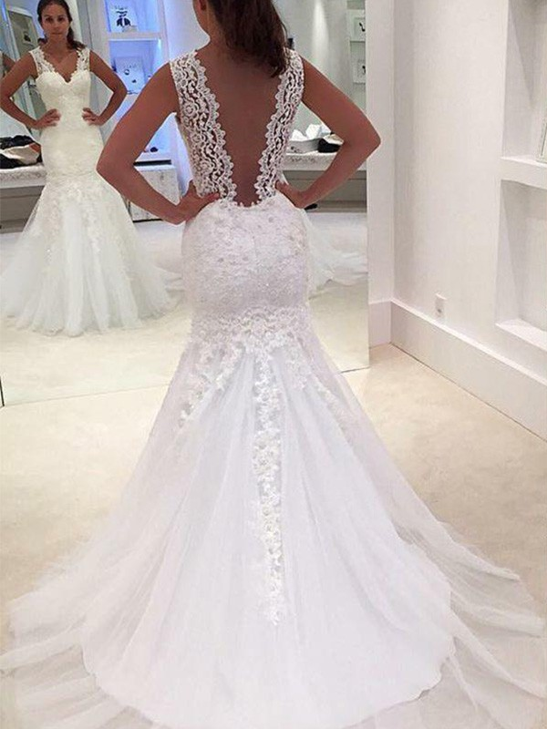 Trumpet/Mermaid Court Train Applique V-neck Sleeveless Lace Wedding Dresses