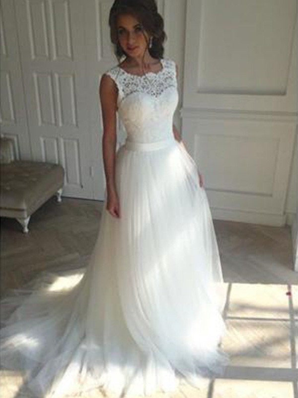 A-Line/Princess Court Train Beading Square Sleeveless Tulle Wedding Dresses