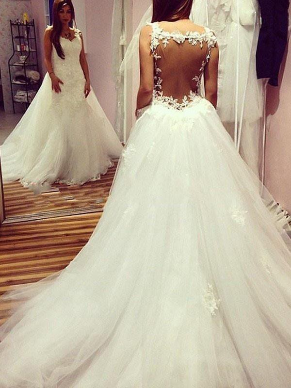 Ball Gown Chapel Train Applique Sweetheart Sleeveless Tulle Wedding Dresses