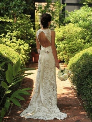 Sheath/Column V-neck Sweep/Brush Train Lace Sleeveless Wedding Dresses