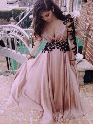 A-Line/Princess V-neck Floor-Length Chiffon Long Sleeves Applique Dresses