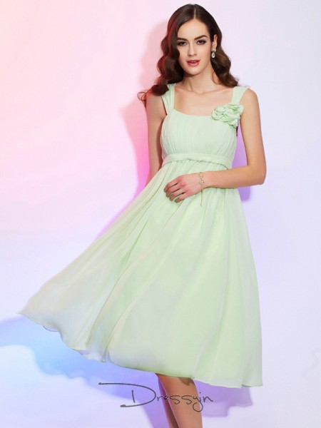 A-Line/Princess Sleeveless Pleats Knee-Length Chiffon Straps Dresses