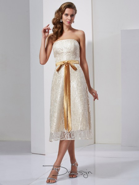 Sheath/Column Sleeveless Sash/Ribbon/Belt Knee-Length Satin Strapless Dresses