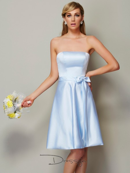 A-Line/Princess Sleeveless Bowknot Knee-Length Satin Strapless Bridesmaid Dresses