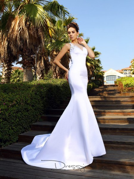 Trumpet/Mermaid Sleeveless Satin Beading Scoop Court Train Dresses