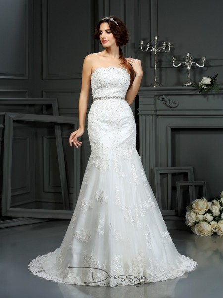 Trumpet/Mermaid Sleeveless Lace Beading Strapless Court Train Wedding Dresses
