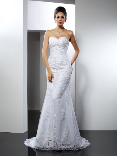 Trumpet/Mermaid Sleeveless Satin Lace Sweetheart Court Train Wedding Dresses