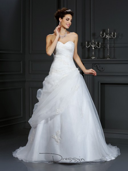 Ball Gown Sleeveless Organza Beading Sweetheart Court Train Wedding Dresses