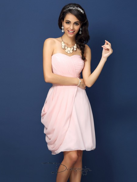 Sheath/Column Sleeveless Chiffon Pleats Sweetheart Short/Mini Bridesmaid Dresses
