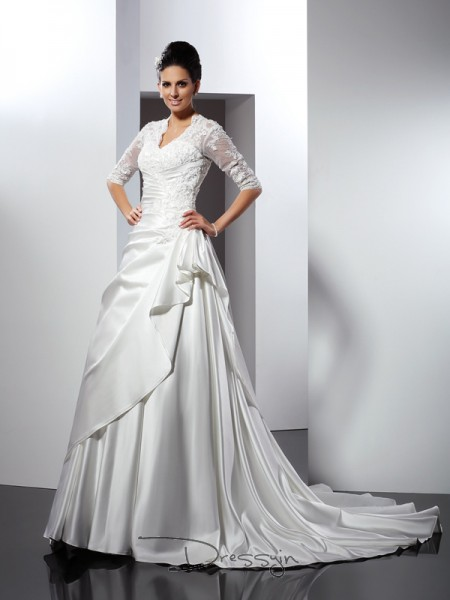 A-Line/Princess 1/2 Sleeves Satin Applique V-neck Chapel Train Wedding Dresses