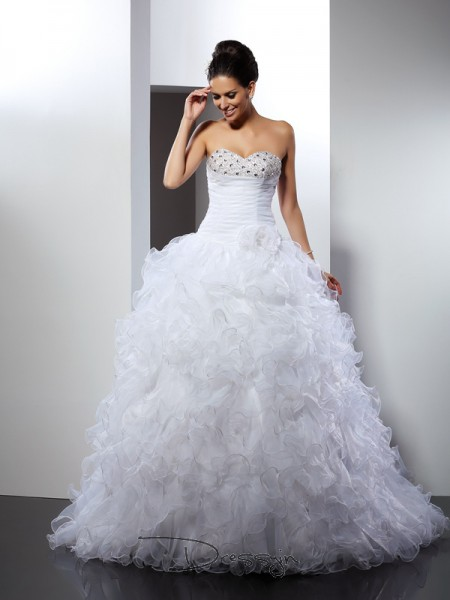 Ball Gown Sleeveless Organza Beading Sweetheart Cathedral Train Wedding Dresses