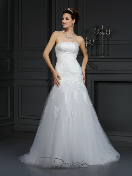 Sheath/Column Sleeveless Satin Lace Strapless Court Train Wedding Dresses