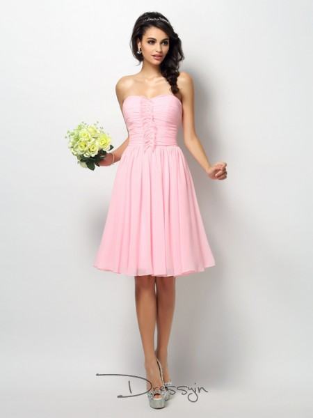 A-Line/Princess Sleeveless Chiffon Pleats Strapless Knee-Length Bridesmaid Dresses