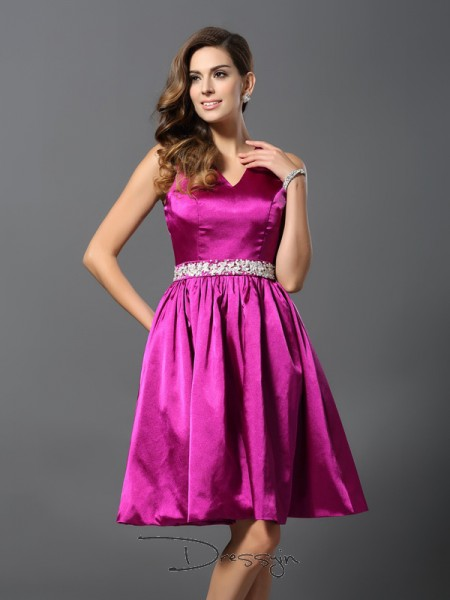 A-Line/Princess Sleeveless Elastic Woven Satin Beading Straps Knee-Length Bridesmaid Dresses