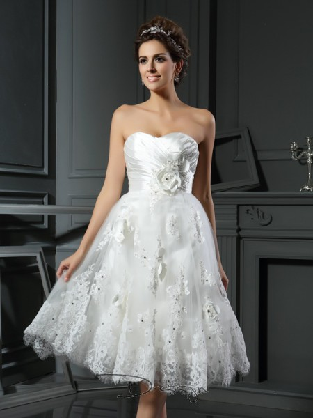 A-Line/Princess Sleeveless Ruched Satin Tea-Length Sweetheart Wedding Dresses