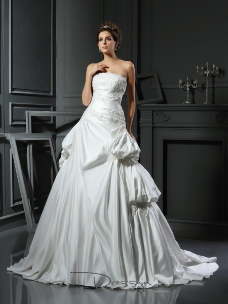 Ball Gown Sleeveless Applique Satin Chapel Train Strapless Wedding Dresses