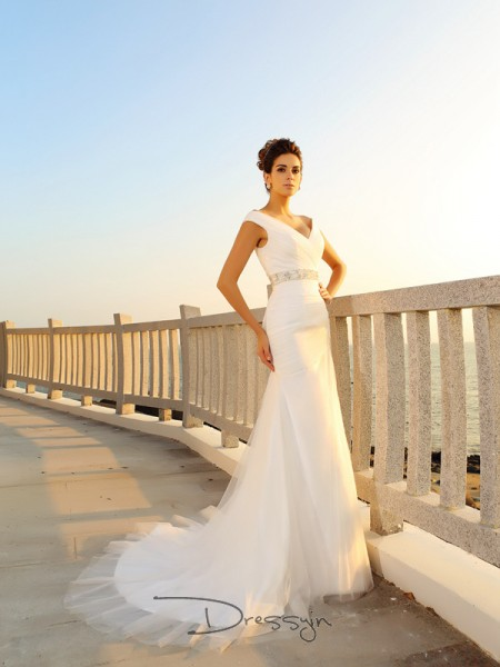 Sheath/Column Sleeveless Pleats Net Court Train V-neck Wedding Dresses