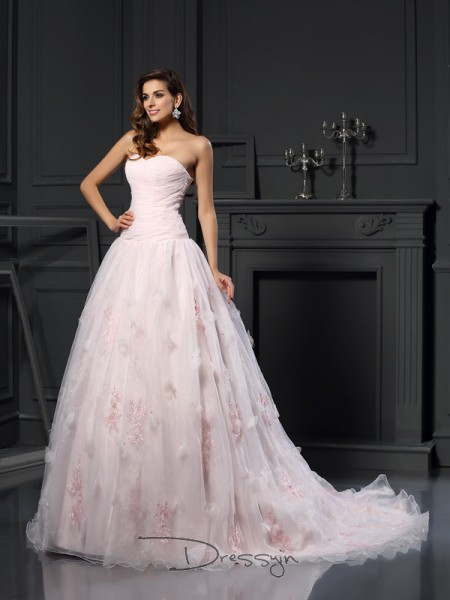 Ball Gown Sleeveless Ruffles Satin Chapel Train Sweetheart Wedding Dresses