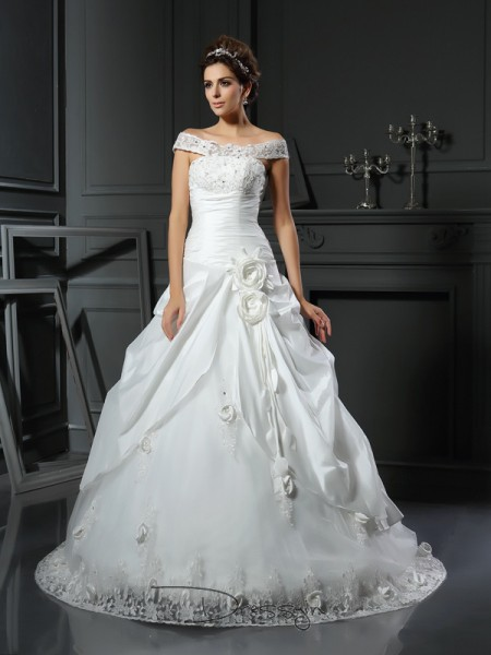 Ball Gown Sleeveless Hand-Made Flower Satin Chapel Train Off-the-Shoulder Wedding Dresses