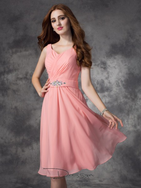 A-Line/Princess Sleeveless Rhinestone Knee-Length Chiffon Straps Bridesmaid Dresses