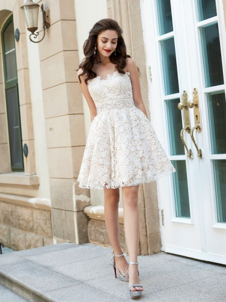 A-Line/Princess Sleeveless Lace Rhinestone Short/Mini Sweetheart Dresses