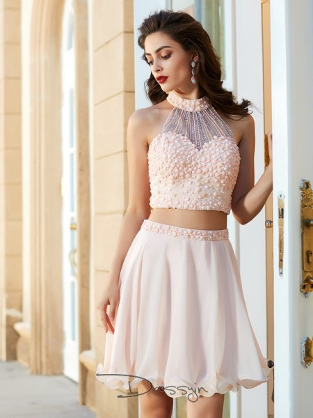 A-Line/Princess Sleeveless Chiffon Beading Short/Mini Halter Dresses