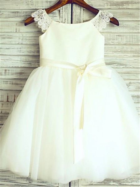 A-Line/Princess Knee-Length Sash/Ribbon/Belt Scoop Sleeveless Tulle Flower Girl Dress