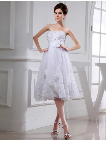 A-Line/Princess Beading Applique Strapless Knee-Length Sleeveless Taffeta Organza Wedding Dresses