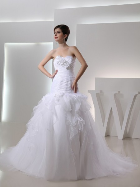 Trumpet/Mermaid Pleats Hand-Made Flower Sweetheart Chapel Train Sleeveless Organza Wedding Dresses
