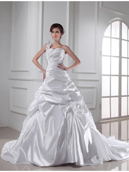 A-Line/Princess Pleats Sweetheart One-Shoulder Chapel Train Sleeveless Elastic Woven Satin Wedding Dresses
