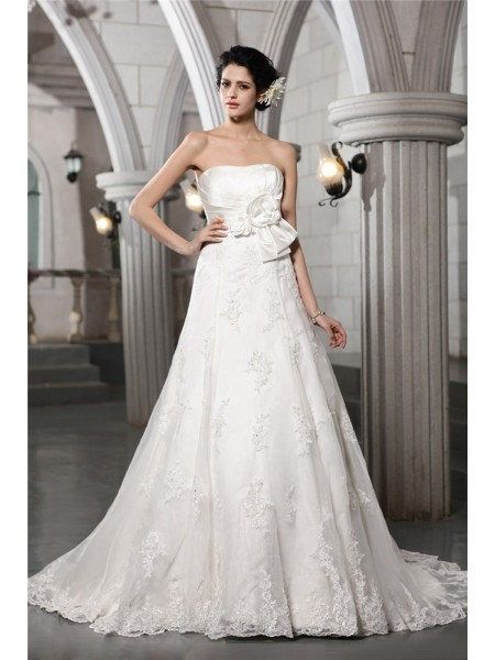 A-Line/Princess Hand-Made Flower Beading Applique Strapless Chapel Train Sleeveless Satin Wedding Dresses