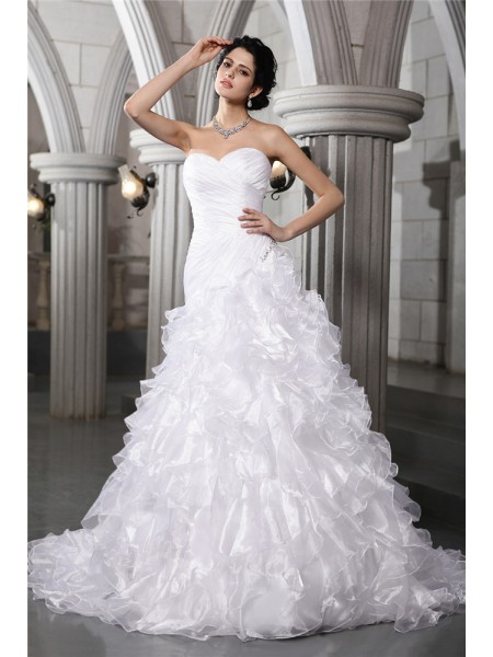 A-Line/Princess Pleats Beading Sweetheart Chapel Train Sleeveless Organza Wedding Dresses