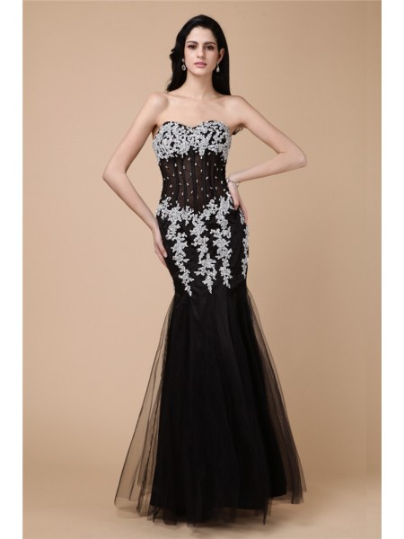 Trumpet/Mermaid Beading Applique Sweetheart Floor-Length Sleeveless Net Satin Dresses