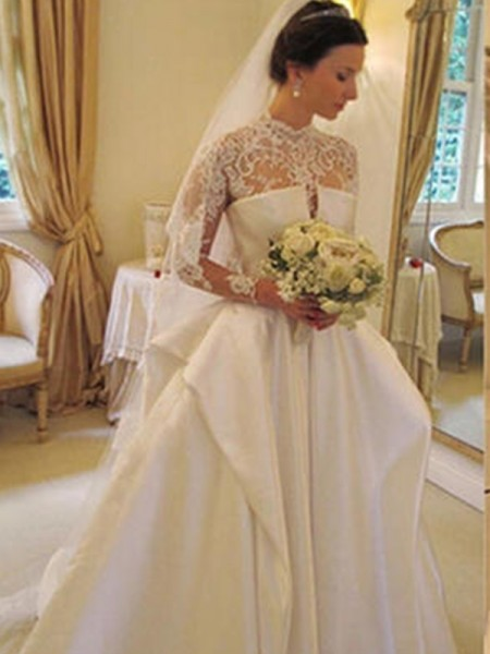 Trumpet/Mermaid Chapel Train Applique Square Long Sleeves Organza Wedding Dresses