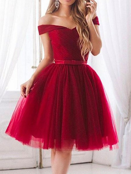 A-Line/Princess Ruffles Knee-Length Off-the-Shoulder Sleeveless Tulle Dresses