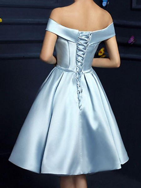 A-Line/Princess Bowknot Knee-Length Off-the-Shoulder Sleeveless Satin Dresses