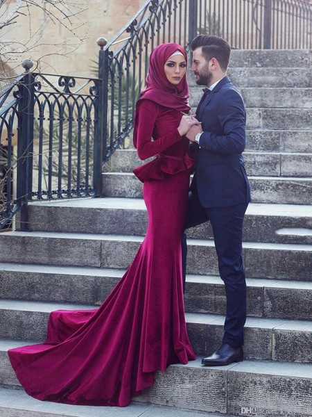 Trumpet/Mermaid Ruffles Sweep/Brush Train Scoop Long Sleeves Velvet Muslim Dresses