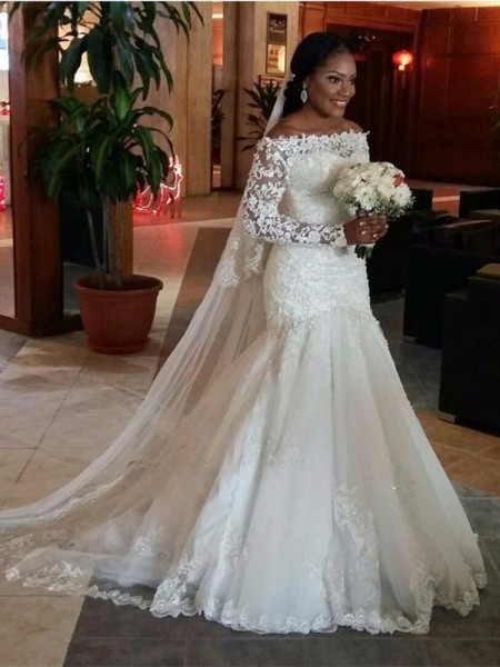 Trumpet/Mermaid Off-the-Shoulder Sweep/Brush Train Tulle Long Sleeves Lace Wedding Dresses