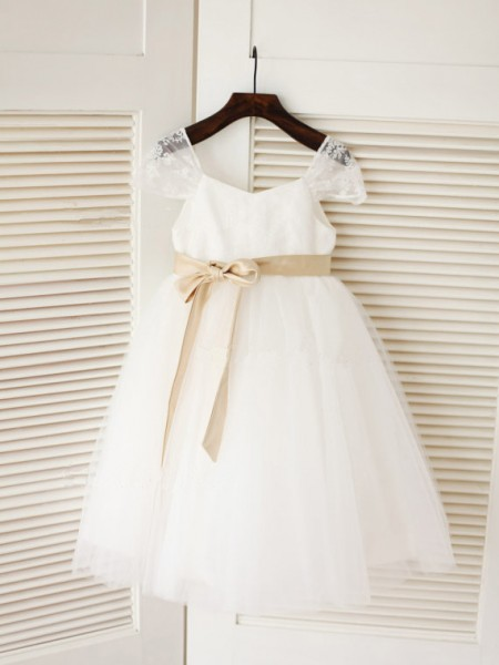 Ball Gown Tulle Scoop Sleeveless Sash/Ribbon/Belt Tea-Length Flower Girl Dresses