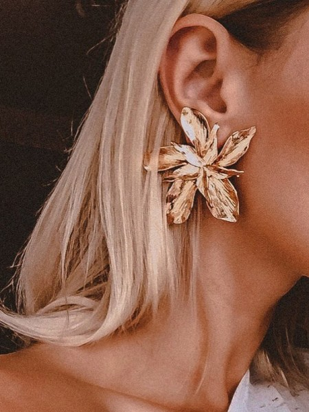 Hot Sale Women's Unique Floral Metal Earrings
