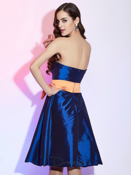 A-Line/Princess Sleeveless Sash/Ribbon/Belt Knee-Length Taffeta Strapless Bridesmaid Dresses