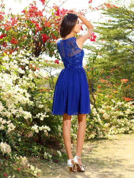 A-Line/Princess Sleeveless Chiffon Applique Bateau Knee-Length Bridesmaid Dresses