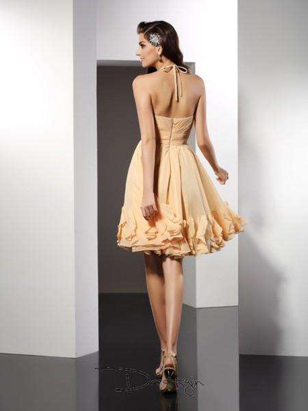 A-Line/Princess Sleeveless Chiffon Ruffles Halter Knee-Length Dresses