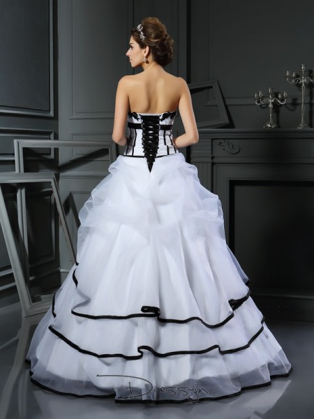 Ball Gown Sleeveless Satin Applique Sweetheart Floor-Length Wedding Dresses