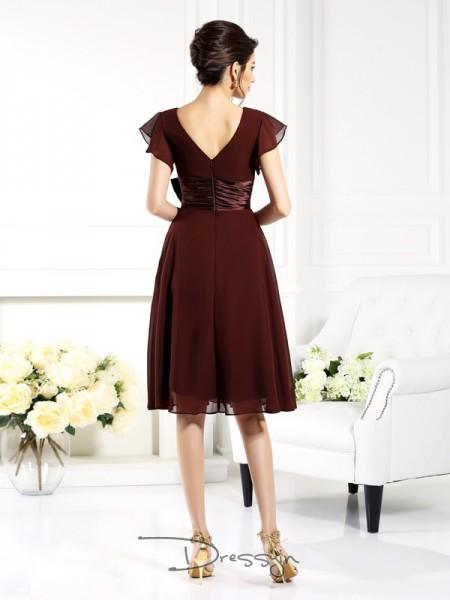 A-Line/Princess Short Sleeves Chiffon Bowknot V-neck Knee-Length Mother of the Bride Dresses