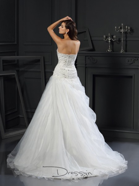 Ball Gown Sleeveless Ruffles Organza Chapel Train Sweetheart Wedding Dresses