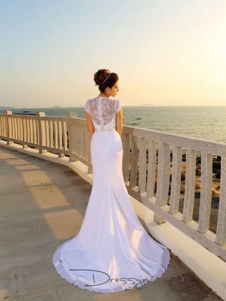 Sheath/Column Sleeveless Beading Chiffon Court Train V-neck Wedding Dresses