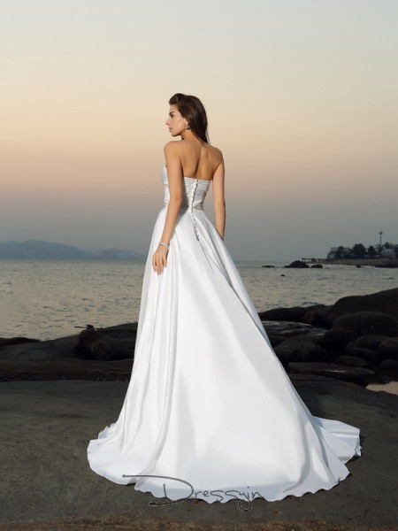 A-Line/Princess Sleeveless Beading Taffeta Chapel Train Sweetheart Wedding Dresses
