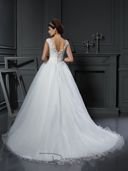 A-Line/Princess Sleeveless Beading Organza Chapel Train V-neck Wedding Dresses